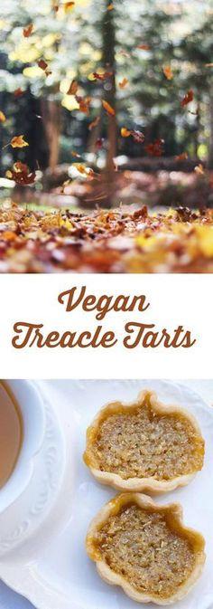Harry Potter's Mini Vegan Treacle Tarts is a healthier version of a traditional English dessert. Vegan Treats, Vegan Foods, Vegan Snacks, Treacle Tart, English Desserts, Vegan Thanksgiving, Vegan Christmas, Cupcakes, Vegan Dessert Recipes