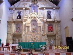 Altar Mayor de la Iglesia de San Fernando, en Huyalgayoc - Perú.
