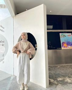 Modest Fashion Hijab, Modern Hijab Fashion, Casual Hijab Outfit, Hijab Fashion Inspiration, Ootd Hijab, Hijab Chic, Muslim Fashion, Simple Ootd, Simple Hijab