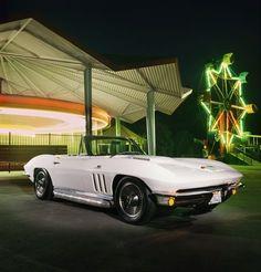 1966 Chevrolet Corvette (427)