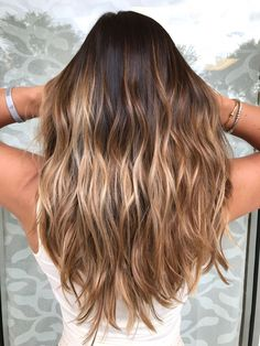 Balayage hair honey, honey bayalage, balayage color, balyage hair, hair d. Balayage Hair Honey, Balyage Hair, Honey Hair, Hair Color Balayage, Hair Highlights, Golden Highlights, Color And Highlights, Honey Colored Hair, Dyed Hair