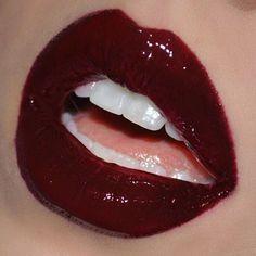 Imagem de red, aesthetic, and makeup Red Aesthetic, Aesthetic Makeup, Makeup Inspo, Makeup Inspiration, Makeup Ideas, Olgierd Von Everec, Lip Makeup, Beauty Makeup, Goth Beauty