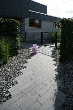 Pflastersteine eingangsbereich  Eingangsbereich mit LAMBADA forte Planline in Anthrazit — Braun ...