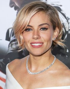 Sienna Miller Will Replace Emma Stone in Cabaret! #InStyle