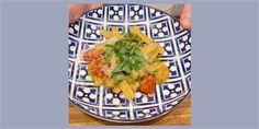 Use overripe tomatoes to make a quick and delicious pesto sauce Pasta Sauce Recipes, Gf Recipes, Healthy Recipes, Vegetarian Recipes, Healthy Food, Pesto Sauce, Pesto Recipe, Tomato Recipe, Italian Dishes