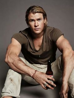 Chris Hemsworth {swoon}