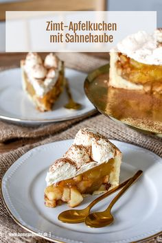 Winterlicher Zimt - Apfelkuchen mit Sahnehaube - Home and Herbs One of the juiciest and fruity Cake that I know. Outside a buttery fine Cake Recipes, Dessert Recipes, Special Recipes, Cinnamon Apples, Cream Cake, Food Cakes, Easy Desserts, Creme, Bakery