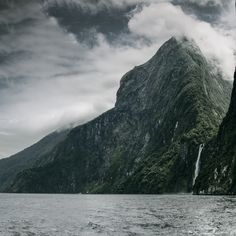 One of the most stunning places in the world Milford Sound New Zealand [OC][4793  4793] #reddit