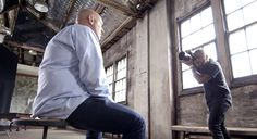 6 Photographers Capture Same Person But Results Are Very Different Because Of A Twist (VIDEO)