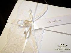 O envelope do meu convite ficou assim (vou tentar fazer um passo a passo): O nome do papel é papel couche brilho 180 gramas . RENDA-SE!!! Além de dar um ar de sofisticação, deixa tudo mais romântico e delicado. Existem várias formas de usar a renda