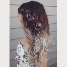 A beaded hair vine 🌻