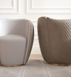 Armchair with armrests