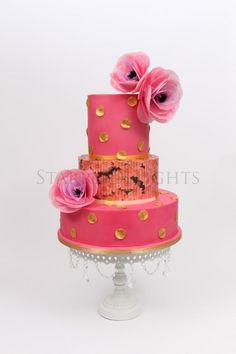 Wedding cake in pink and gold (wafer paper flower tutorial - Cake by Starry Delights Round Wedding Cakes, Floral Wedding Cakes, Themed Wedding Cakes, Wedding Cake Designs, Beautiful Wedding Cakes, Beautiful Cakes, Amazing Cakes, Fondant Cakes, Cupcake Cakes
