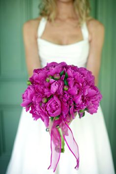 Photo by Holly Chapple Flowers - http://thefullbouquetblog.com/  favorite again