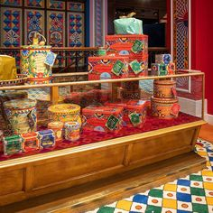 """Dolce & Gabbana: """"Indulge your taste buds in the delectable flavours of the by Discover the exclusive flavours in the boutique…"""" Cafe Design, Store Design, Interior Design, Dolce Gabbana Store, Clothing Store Interior, Branding, French Brands, How To Make Ornaments, Taste Buds"""