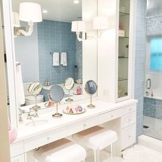 Isn't it amazing that when you are designing a house yourself you start noticing things in other peoples homes that you never noticed before?! #inspiration #dreambath #bathroom #decorinspiratiom
