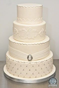 Quilt Pattern Wedding Cake : 1000+ images about Clive & Lenkas Wedding Cake Inspir. on Pinterest