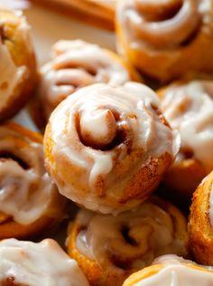 itty bitty cinnamon rolls