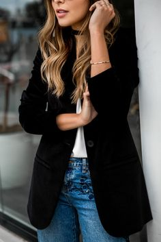 Pam Hetlinger wearing One Teaspoon Embroidered Jeans, Asos Lace-up Heels, Madewell Velvet Blazer, Choker, Black Friday Sales | The Girl From Panama