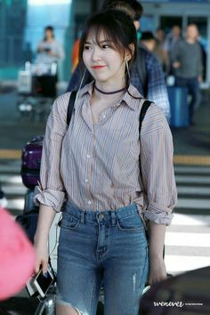 Wendy Channels Her Inner Tiffany With Latest Airport Outfit — Koreaboo – 𝖌 𝖆 𝖗 𝖎 .✿ Wendy Channels Her Inner Tiffany With Latest Airport Outfit — Koreaboo Wendy Channels Her Inner Tiffany With Latest Airport Outfit — Koreaboo Kpop Fashion, Korean Fashion, Girl Fashion, Fashion Outfits, Korean Airport Fashion Women, Airport Fashion Kpop, Seulgi, K Pop, Kpop Mode
