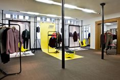 New Man Showroom. Paris, Uses ALU