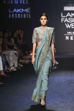 Jayanti Reddy at Lakmé Fashion Week Winter/Festive 2017 l Vogue India Lakme Fashion Week, India Fashion, Ethnic Fashion, Silk Kurti Designs, Saree Blouse Designs, Indian Wedding Outfits, Indian Outfits, Jayanti Reddy, Box Pleated Dress