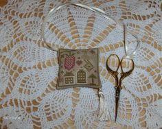Designer: Ewe & Eye & Friends Fabric: 32ct. Vintage Barley Fibers: DMC
