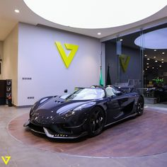 "Introducing our latest beast, the luxury Megacar by Koenigsegg. The ""Regera"" which means in Swedish ""to rule"" . having a hybrid engine that produces . only 80 cars of this masterpiece around the world. Alto Car, Porsche 911 Gt2 Rs, Cool Sports Cars, Bugatti Chiron, Lifted Ford Trucks, Top Cars, Pontiac Gto, Koenigsegg, Twin Turbo"