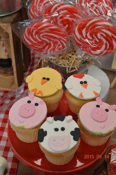 Little Wish Parties | Farmyard First Birthday Party | https://littlewishparties.com