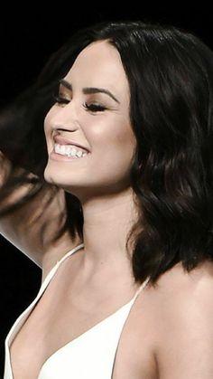 Her signature move? Demi Lovato, Selena Gomez, Lauren London, Christina Milian, Nicole Scherzinger, Kate Beckinsale, Woman Crush, Role Models, New Hair