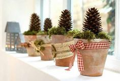 christmas decoration pine cones window decorations 3 Beautiful Ways to Decorate with Pine Cones this Christmas