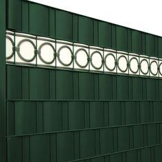 Die gedruckten Zaun Design Streifen von M-tec technolgy gibt es nun auch ganz klassisch im Stil von Metallzaun Zierelementen.