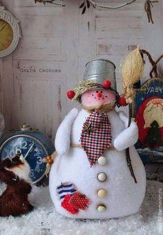 Christmas Wood, Christmas Snowman, Simple Christmas, Christmas Time, Christmas Gifts, Christmas Decorations, Christmas Ornaments, Felt Snowman, Snowman Crafts