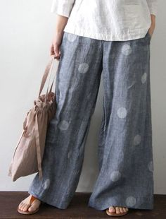 Wider than Cutting Line Designs 'One Seam Pants Pattern' but a great look for summer. Wider than Cutting Line Designs 'One Seam Pants Pattern' but a great look for summer. Sewing Pants, Sewing Clothes, Doll Clothes, Boho Fashion, Fashion Outfits, Womens Fashion, Dress Fashion, Mode Pop, Style Feminin