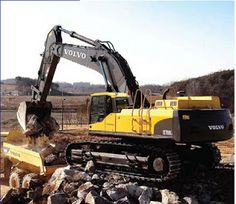 Volvo Excavators EC700C EC700C: Built to leave no work behind. The 70-ton Volvo EC700C will make you think it's in the 80-ton class. That's because it's built like it and has all the power you need, plus perfectly harmonized hydraulics, to tackle the most difficult conditions and the toughest materials. It's your perfect partner for mass excavation, production trenching, rock-face stripping, mine loading and beyond.