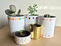 DIY. #macetas PARA SUCULENTAS RECICLANDO LATAS. Recycle Cans, Diy Recycle, Tin Can Crafts, Diy And Crafts, Suculentas Diy, Diys, Plastic Bottle Crafts, Diy Upcycling, Painted Pots