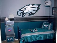 sports bedroom paint job | ... paint from Lowes. We painted the celing the same color as the top of