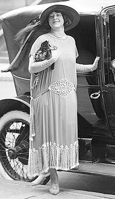 1920s Fashion - I like this because the woman is not thin but she still looks awesome