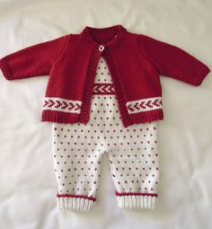 Babies 'First Christmas' Outfit ~ one-piece bib overalls ~ sizes: NB-3 mos, 3-6 mos, 6-12 mos ~ intermediate ~ KNITTED pattern