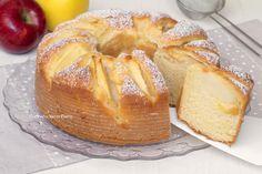 La Ciambella Mele e Mascarpone è un dolce delizioso e semplice da realizzare, pronto in pochi minuti. Si prepara con pochi ingredienti, senza burro né olio.