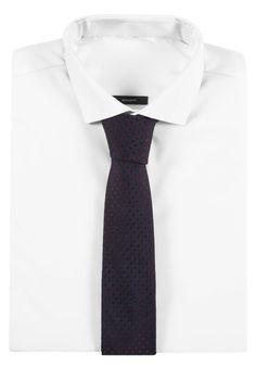 ¡Consigue este tipo de corbata de Michael Kors ahora! Haz clic para ver los detalles. Envíos gratis a toda España. Michael Kors MODERN Corbata burgundy: Michael Kors MODERN Corbata burgundy Premium   | Material exterior: 100% seda | Premium ¡Haz tu pedido   y disfruta de gastos de enví-o gratuitos! (corbata, tie, neckwear, necktie, pajarita, pajarita, tie, neckwear, necktie, krawatte, corbata, cravate, cravatta)