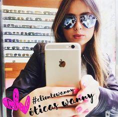 💗 #Repost @jornalistathata ・・・ Me sentindo famosinha com esse óculos @rayban lindoooo! Este é um dos que experimentei.Imagina se estou em dúvida! 😍#famosinha #rayban #sunglasses #style #stylechallenge #fashion #blogueira #oticaswanny #quero #beauty #girl #outfit #ootd #clientewanny