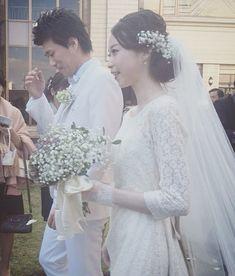 優しくてとても綺麗なご新婦さま* 地元の宮崎県でお式を挙げられました。 ドレスは沢山お悩み頂いた中でも総レースのシンプルなドレス。 とてもとてもお似合いで素敵です* 身も心も本当に美しくてドレスをお召し頂けましたこと、幸せに思います。 いつまでもお幸せに* #maisonsuzu #ウェディングドレス #weddingdress