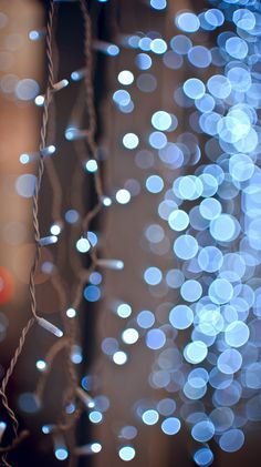 """Xmas bokeh … gorgeous """"blue lights"""" - such a beautiful picture!perfect wallpaper for the upcoming christmas season"""