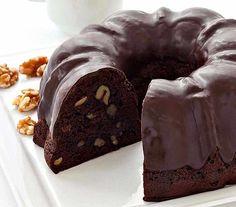 Bizcocho de Chocolate con nueces Thermomix, esponjoso y delicioso, fácil de hacer y rápido, que se puede pedir más a una receta de postre en Thermomix
