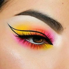 Edgy Makeup, Makeup Eye Looks, Eye Makeup Art, Colorful Eye Makeup, Crazy Makeup, Cute Makeup, Pretty Makeup, Eyeshadow Makeup, Bold Eye Makeup