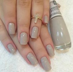 You sure you love your nails,you're always looking for new and unique styles, inspiring photos that you can see below with a brilliant nail art designs which you can use it for your,everyday lifestyle. Stylish Nails, Trendy Nails, Stylish Outfits, Nail Paint Shades, Uñas Diy, Neutral Nails, Neutral Colors, Pastel Colors, Best Acrylic Nails