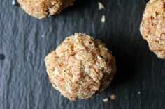 Almond Butter Coconut Cookie Bites (gluten-free, vegan, paleo, refined sugar-free, raw, no bake, almond butter, coconut, healthy, snack)//Mangia