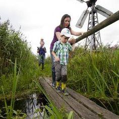 Wandelroute over het laarzenpad, bij Bezoekerscentrum De Wieden