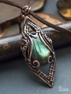 Copper wire wrapped fantasy pendant with labradorite